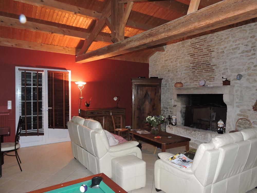 Salon sejour murs peints rouge orange Atelier Pro Peinture Pouille